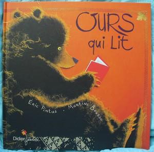 Couverture de Ours qui lit