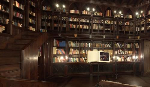 100424_Montbrun_Bibliotheque_2.jpg