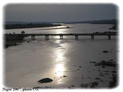 Le fleuve en juillet 2007, photographié par ma fille.