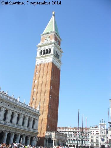 Le campanile de la place Saint-Marc